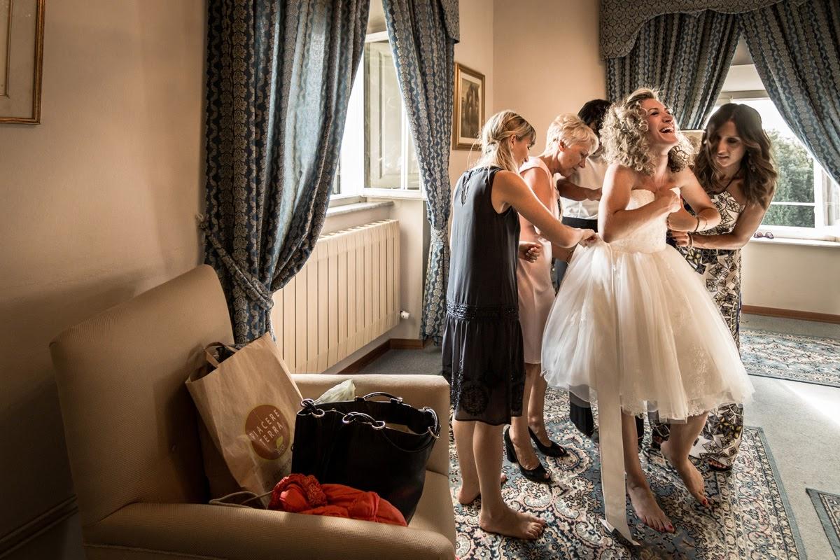 La sposa si veste