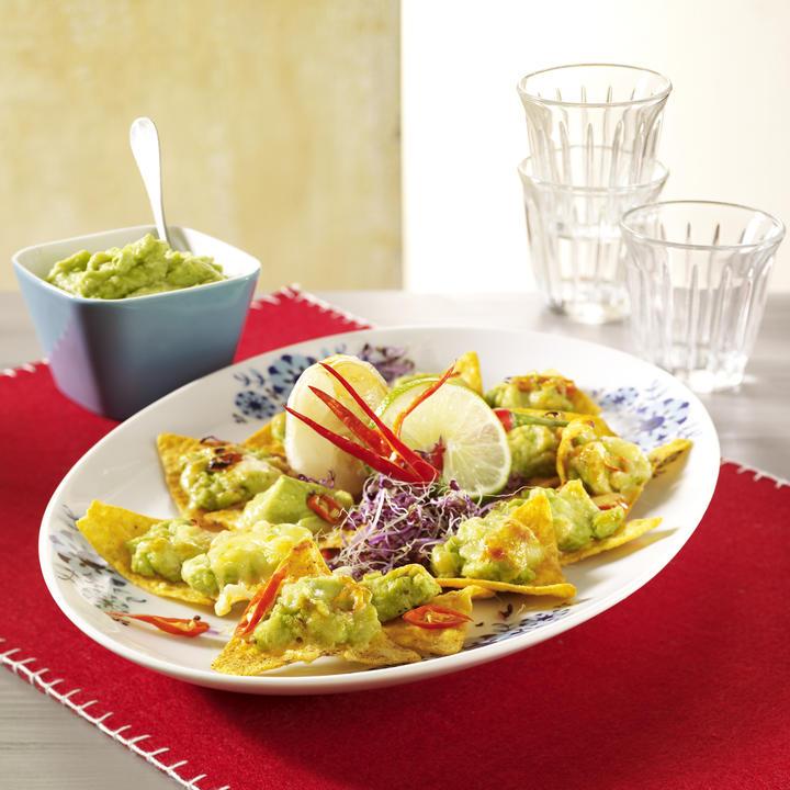 Nachos and Fresh Guacamole Recipe