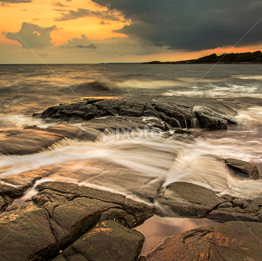 Waves by Peter Samuelsson - Landscapes Waterscapes