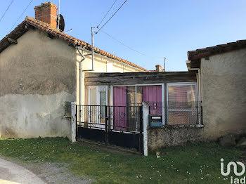maison à Adriers (86)