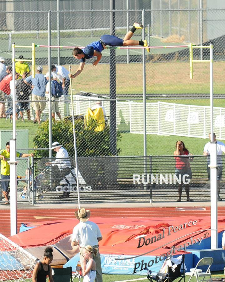 Photos - 2010 Golden West Inv (Field Events) - Boys Pole Vault