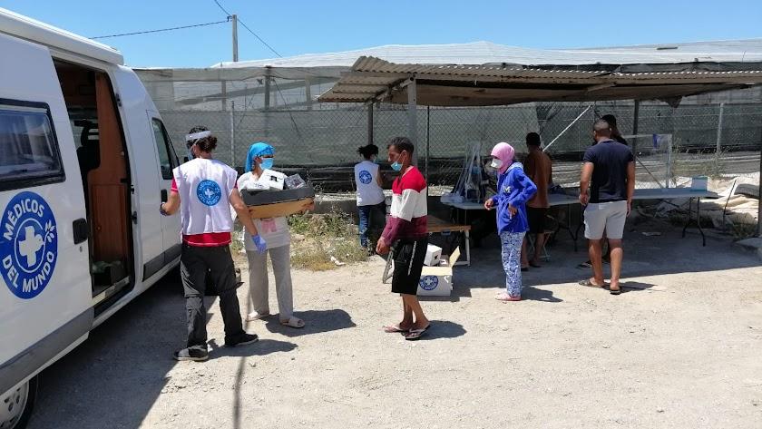 Médicos del mundo y otras ONG han cubierto las necesidades básicas de los migrantes durante el estado de alarma.