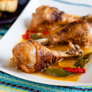 Pressure Cooker Chicken Drumsticks With Peppers and Paprika.
