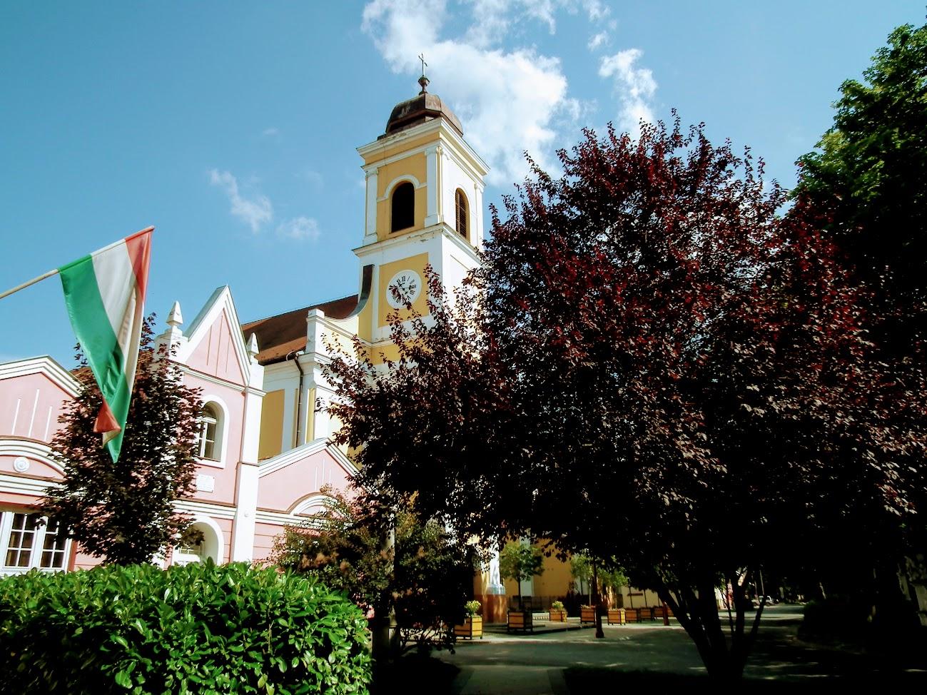 Nagyatád - Szent Kereszt rk. plébániatemplom