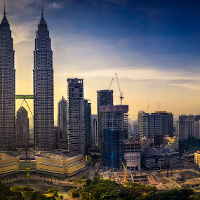 Mid Afternoon at Sky Bar by Alexander Nainggolan - Buildings & Architecture Office Buildings & Hotels ( klcc, sunset, twilight, cityscape, landscape, petronas tower )