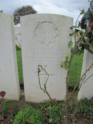 Thomas  Robertson grave
