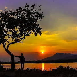 Feeling Sunset by Vipul Kotecha - Landscapes Sunsets & Sunrises ( nature, sunset, evening, landscape,  )