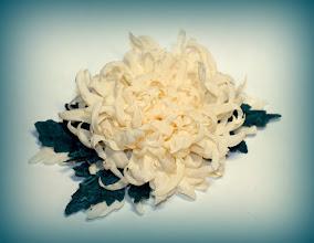 Photo: Хризантема - цветок из ткани на зелёное платье