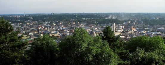 Photo: Panorama Lwowa z Kopca Unii Lubelskiej, nazywanym też Wysokim Zamkiem. Został usypany z okazji trzechsetnej rocznicy zawarcia Unii Lubelskiej.