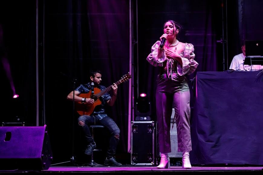 Vera GRV ofreció un concierto revestido de sensibilidad y sinceridad.