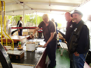 Photo: Macaroni eten tijdens Furieade 2009