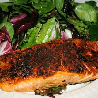Love That Heat! Blackened Salmon Salad