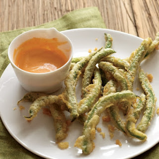 Tempura Green Beans with Sriracha Aioli.