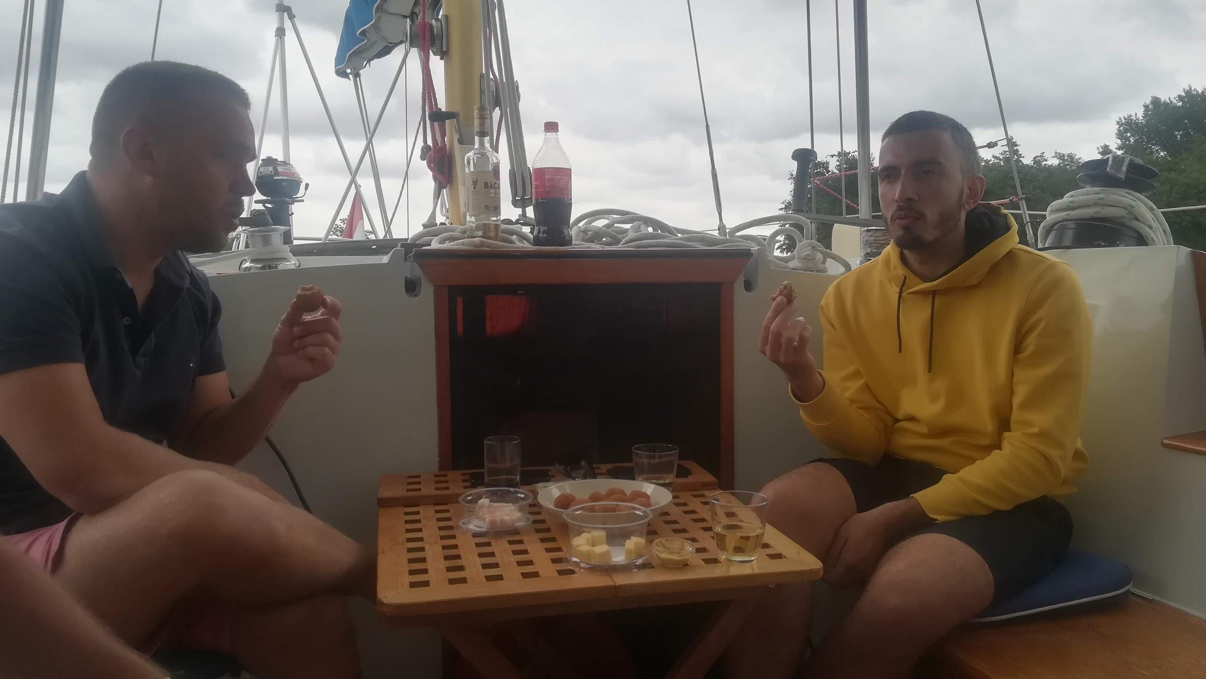 Heerenleed heeft weer gasten: Julieng Pinong and Hugo Silva