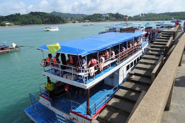 Meet the boat crew at Ao Por Pier