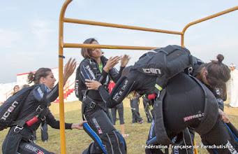 Photo: 4e DIPC 2013, dernier briefing équipé avant le saut pour le VR4 Féminin