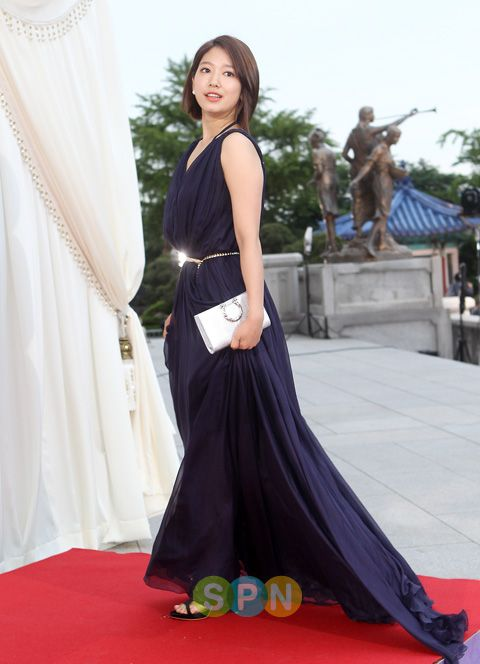 shinhye gown 53