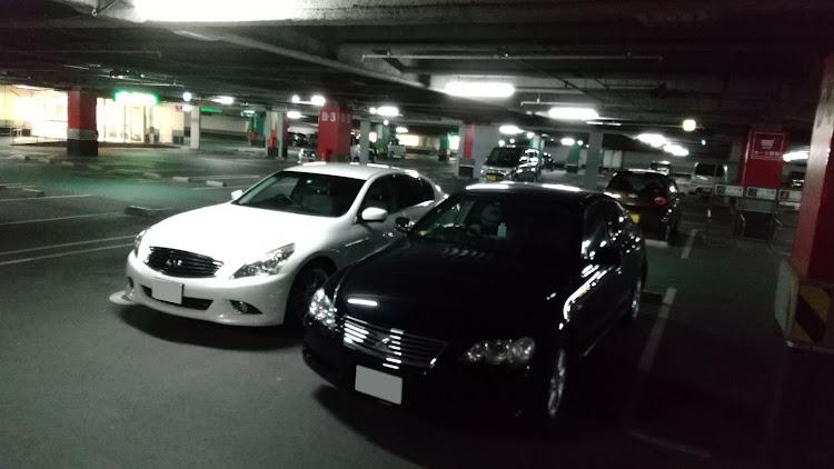スカイライン KV36のコラボ,立体駐車場,美人オーナー,マークXに関するカスタム&メンテナンスの投稿画像1枚目