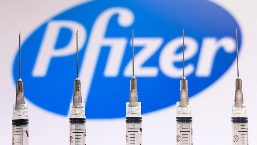 Pfizer necesitará una tercera dosis y un recuerdo anual.