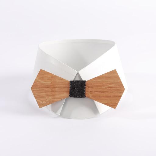 Noeud papillon en bois. Bois de chêne avec tissu denim noir chez woodenfr.com