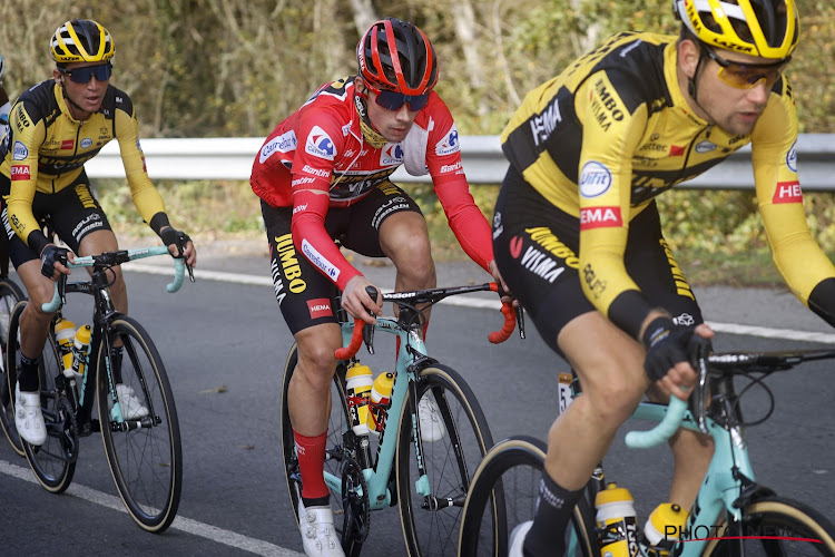 Primoz Roglic haalt het van onder meer Wout van Aert en Remco Evenepoel en wint voor de eerste keer in zijn carrière de Vélo d'Or