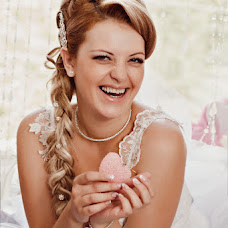 Wedding photographer Tatyana Lvova (Lvova). Photo of 15.12.2013