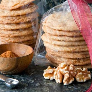 Crispy Walnut Cinnamon Cookies