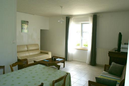 Cuarto de estar grande Casa rural de alquiler para 6 a 7 personas en Surgeres cerca de La Rochelle costa atlantica de Francia