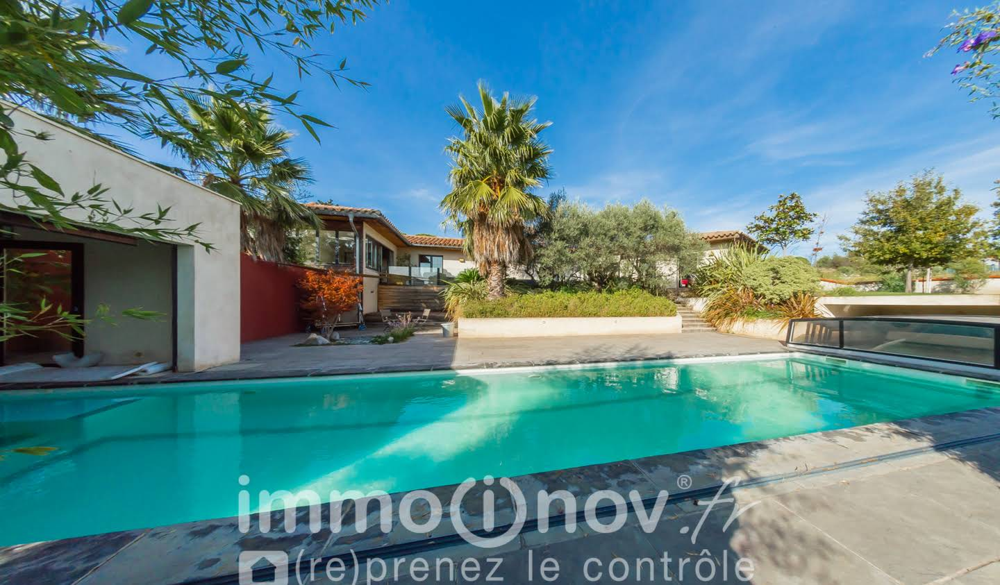 Seaside villa with pool Narbonne
