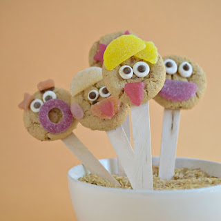 Silly Face Cookie Lollipops.