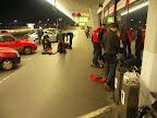 Po příjezdu na letiště ve Vídni. V půl čtvrté ráno se zde dá i zaparkovat.