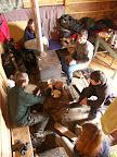 V Dukučovic chatě bylo hezky, stačilo vyspravit komín a vyhnat myši.