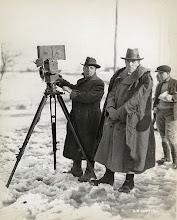 Photo: O cameraman Billy Bitzer e o diretor D. W. Griffith.  http://filmesclassicos.podbean.com