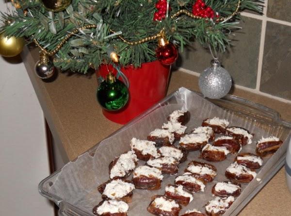 Gorgonzola Stuffed Dates Recipe