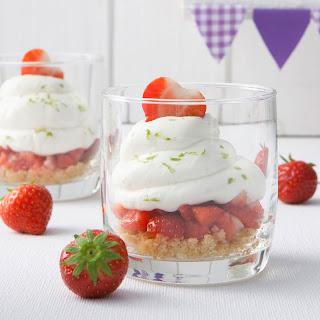 Erdbeer-Limetten-Käsekuchen im Glas