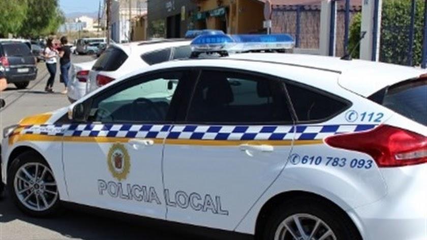 Un coche de la Policía Local de Huércal-Overa, en una foto de archivo.