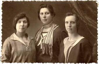 Photo: Iš kairės: Salytės – Ieva Viršilienė, Domicėlė Šližienė, Petronėlė Šakinienė. Nuotrauka iš Juozo Šakinio asmeninio archyvo.