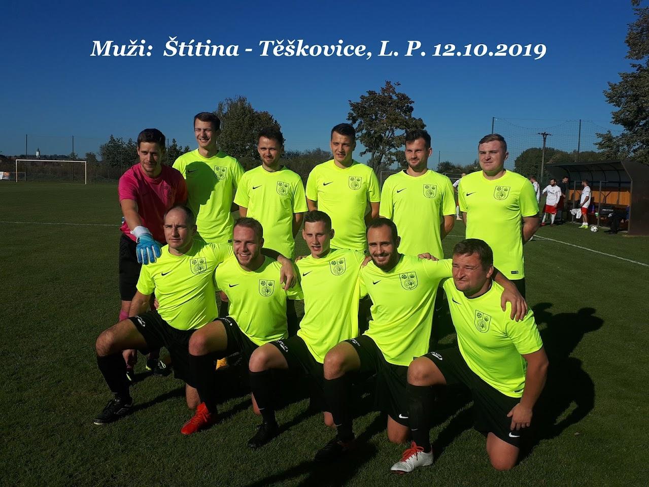 Fotografie hráčů mužstva Těškovice před utkáním se Štítinou