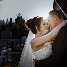 Wedding photographer Natalya Otrakovskaya (OtrakovskayaN). Photo of 29.08.2017