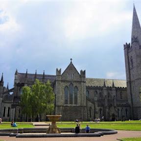 アイルランド最大、ダブリンの聖パトリック大聖堂で800年の歴史にふれる