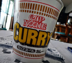 Photo: Cup Noodle Curry. My instinct has me pick up this flavour while I am away from my home in India. Particularly, I love freeze-dried beef and omelet cubes topped on the noodle so I do not expect it will be available in India any time soon.  1st June updated (日本語はこちら) - http://jp.asksiddhi.in/daily_detail.php?id=560