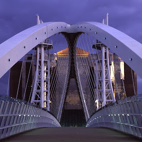 The Lowry Bridge, Salford Quays. by Phil Portus - Buildings & Architecture Bridges & Suspended Structures ( quays, night, salford, manchester, evening, pwcbridges, lowry )