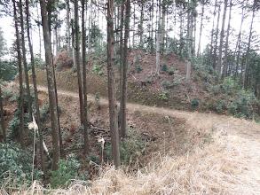 林道出合(左下から登ってきた)