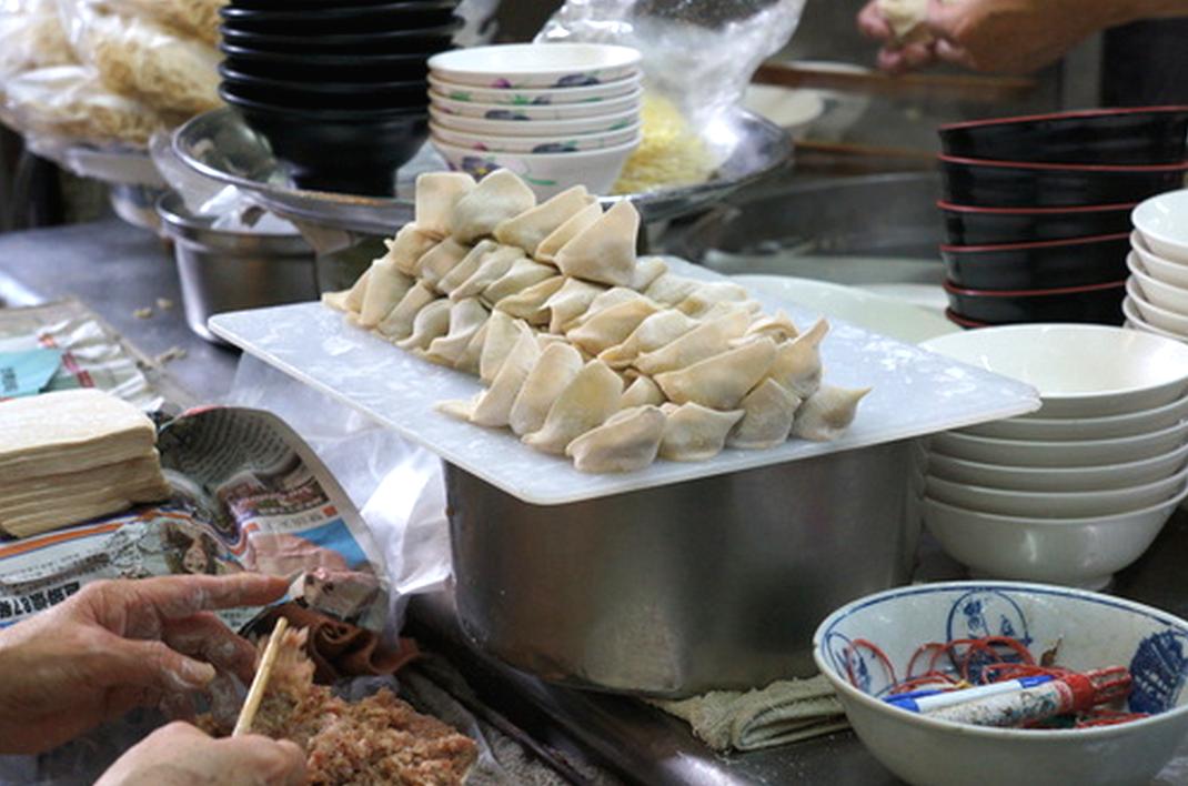 台南美食推薦-好吃意麵餛飩福榮小吃【阿瑞意麵】(食尚玩家推薦)