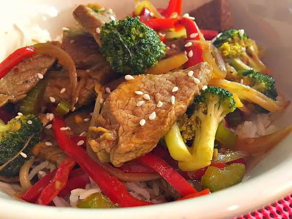 Beef With Sauteed Vegetables In A Large Bowl.