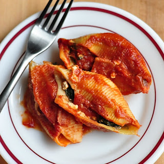 Lighter Stuffed Pasta Shells erves 6-8