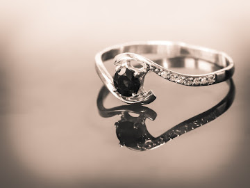 ring-2361492_1280.jpg