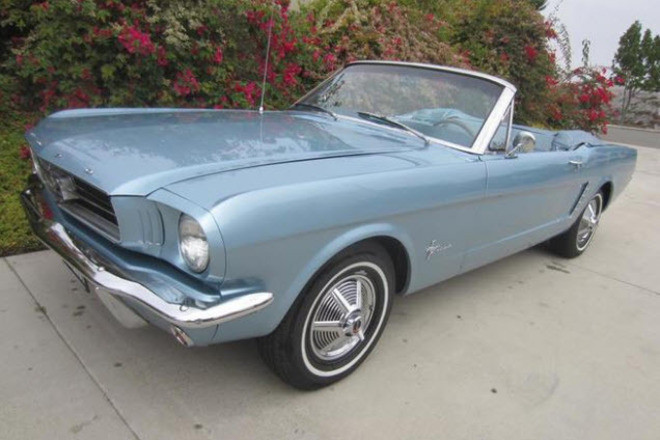 1965 Ford Mustang Convertible / East Coast Gal Hire CA