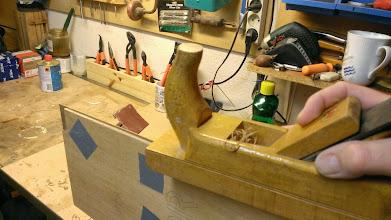 Photo: Afretning af kanter på finér