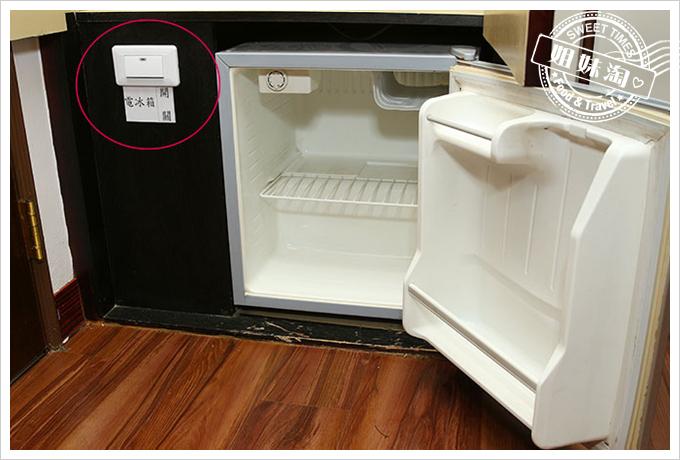 假期商旅浪漫雙人房冰箱